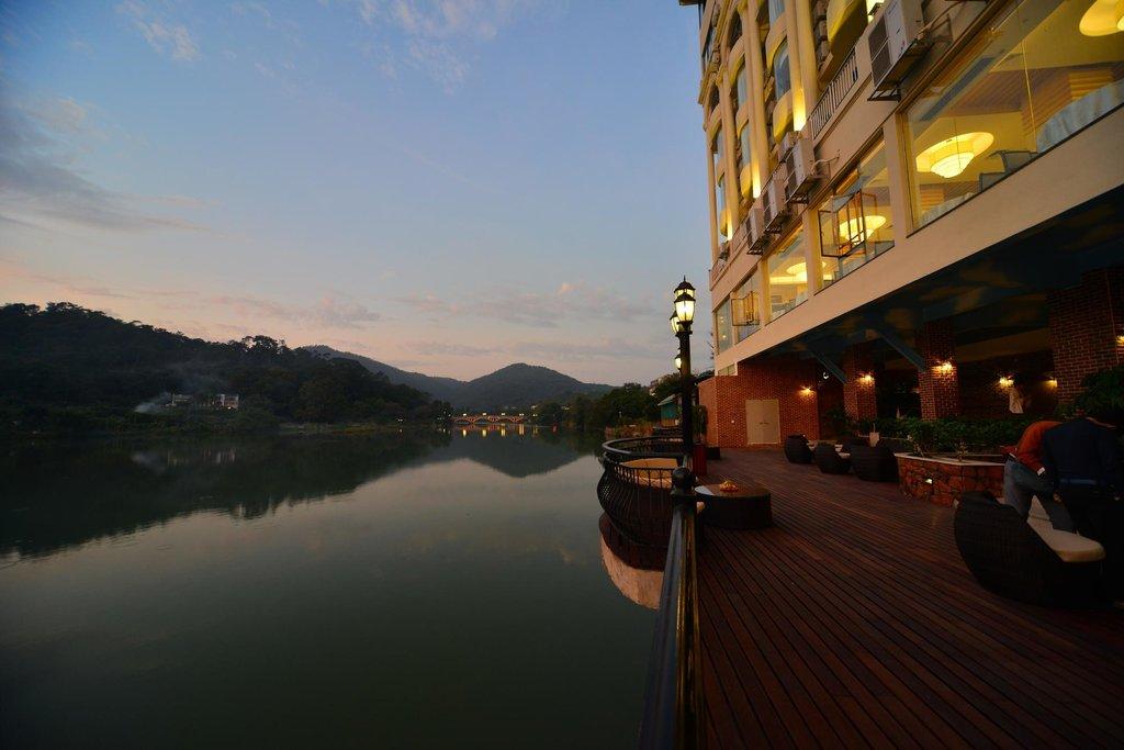 Yihua Hot Spring Hotel