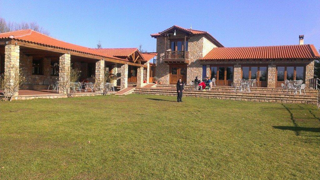 Hotel Apolymeni Petra