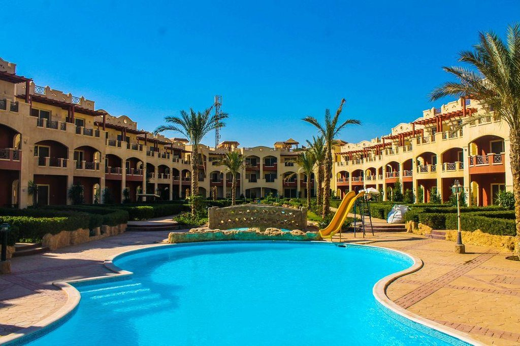La Sirena Beach & Resort