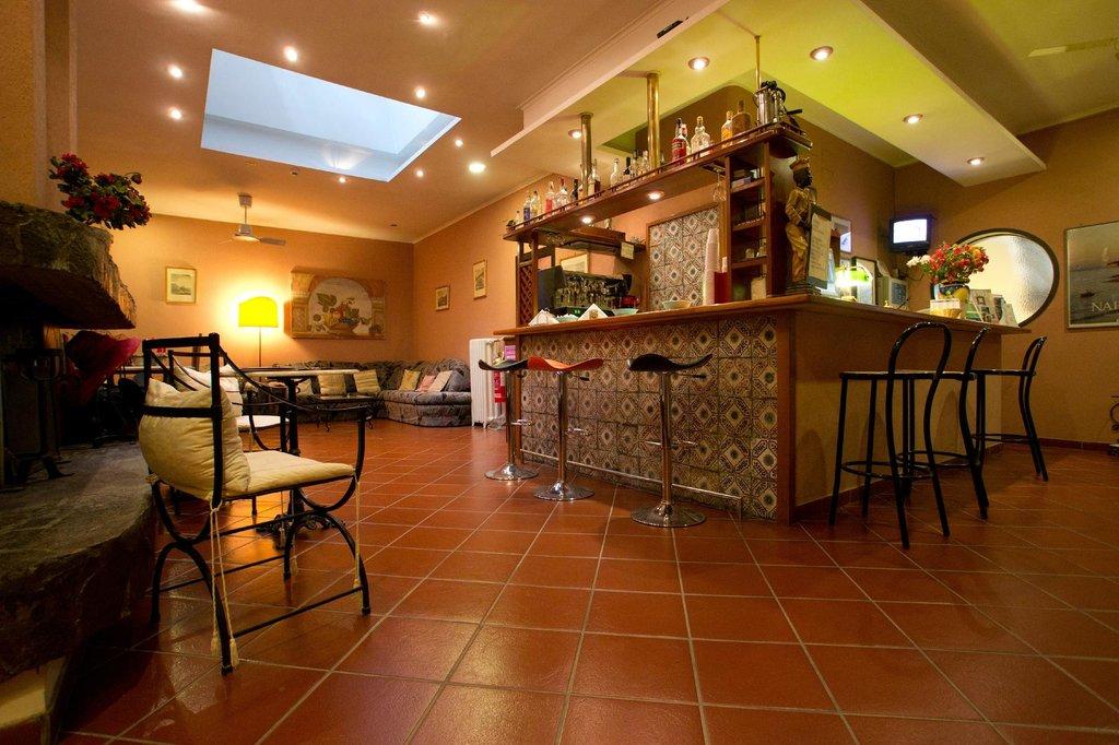 ホテル トレド バー レストラン