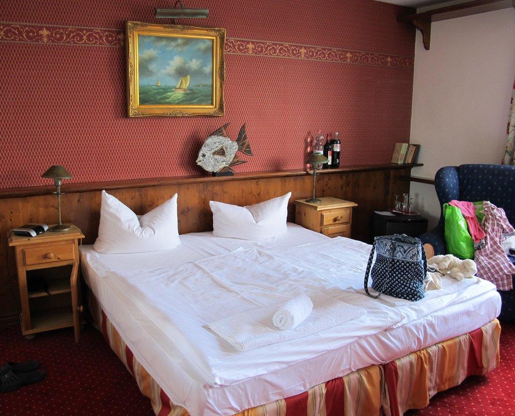 Nautilus Hotel & Restaurant