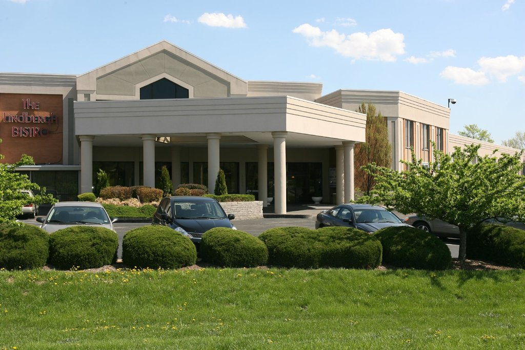 Airport Plaza Inn & Conference Center
