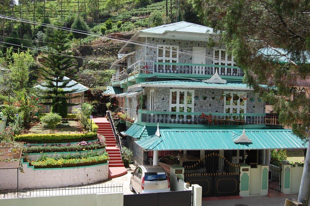 Pavitram Holiday Inn