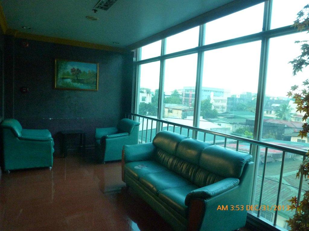 Blue Sky Suite Hotel