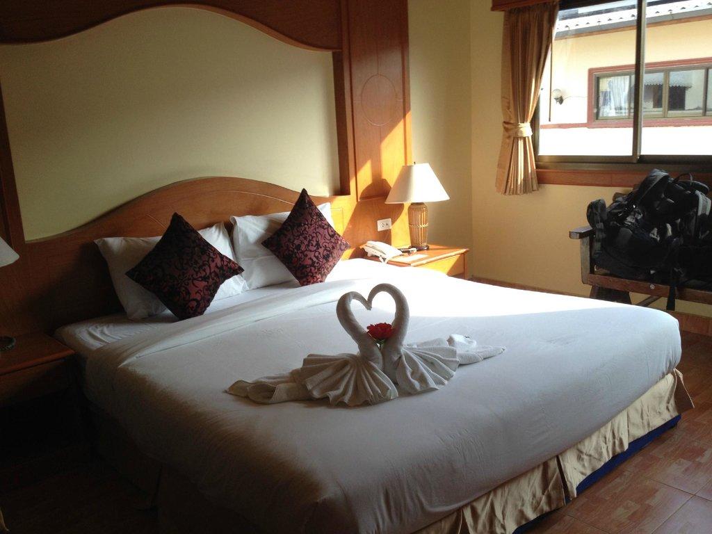Tiger Restaurant & Hotel