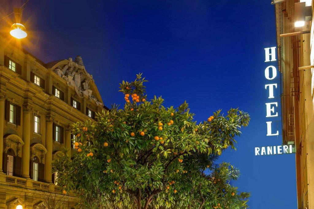 拉涅利羅馬飯店