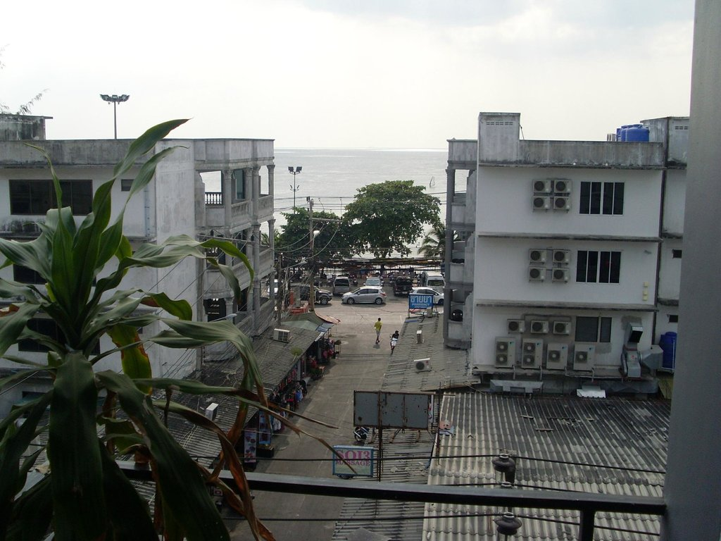 Sooksabai Jomtien Beach Hotel