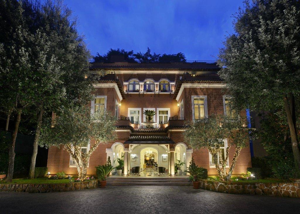 普林西比托羅尼亞總理大酒店