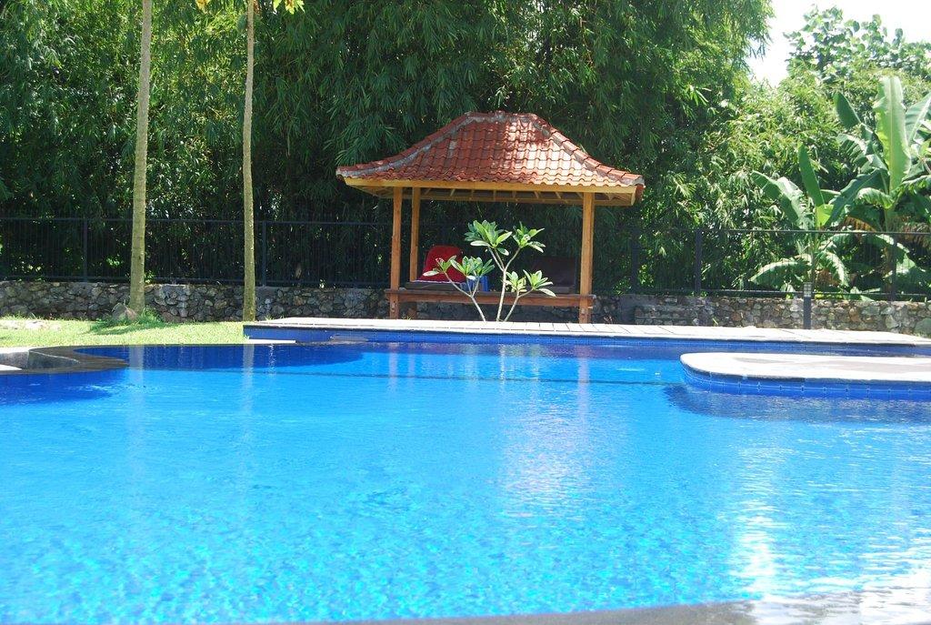 Pondok Anggrek Putih
