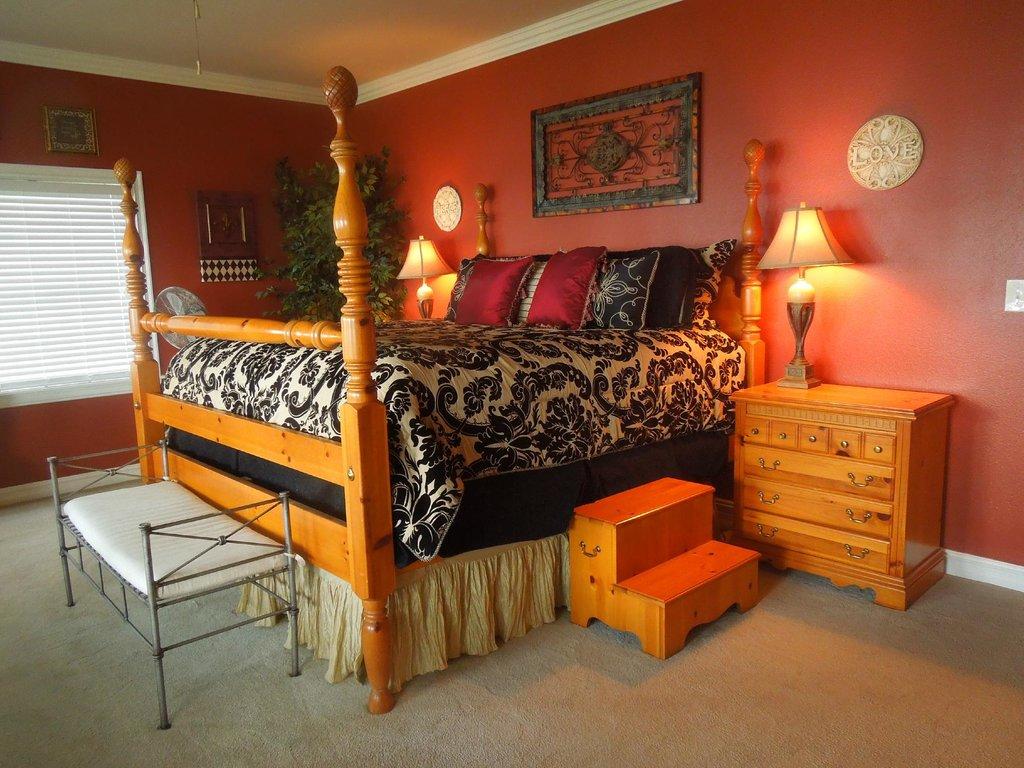 La Belle Maison Lakefront Suites