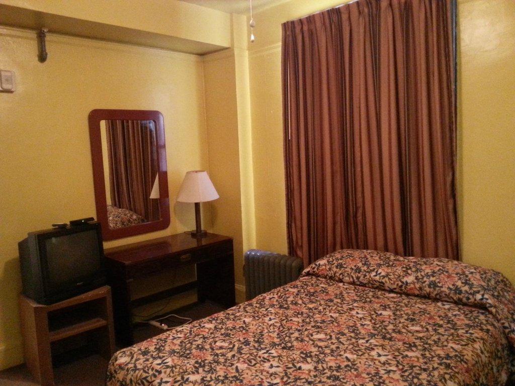 โรงแรมเทย์เลอร์