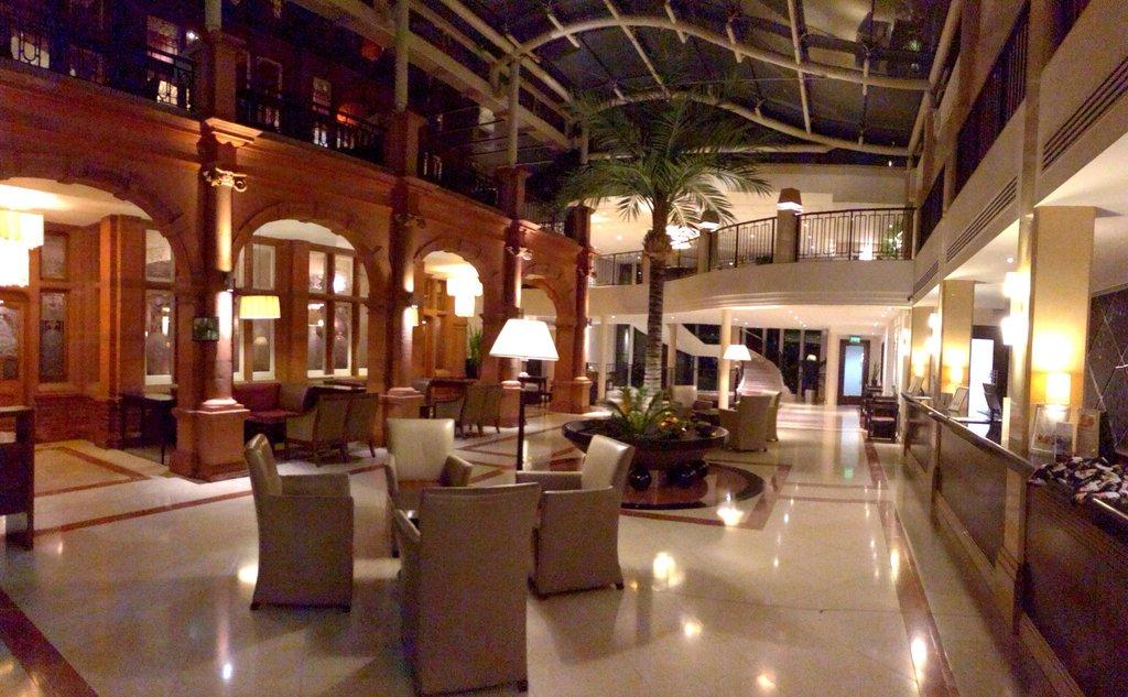 クラウン モラン ホテル