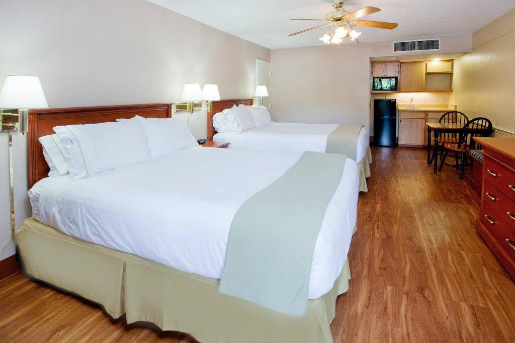IHG Army Hotels on Fort Bragg, Forrestal Hall & Delmont House