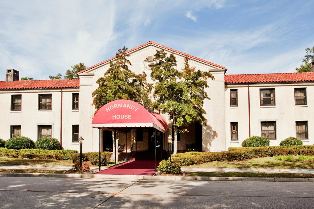 IHG Army Hotels on Fort Bragg, Normandy Guest House & Carolina Inn Bungalows