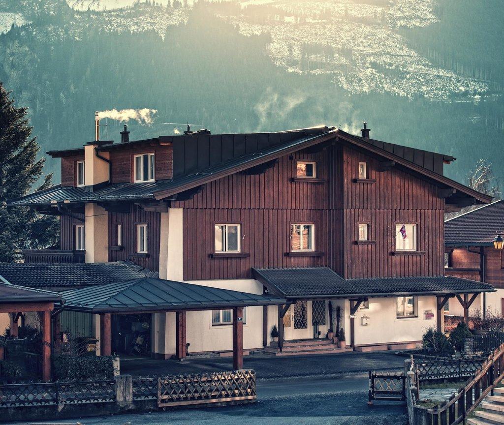 Edelweiss Ski Chalet & Spa