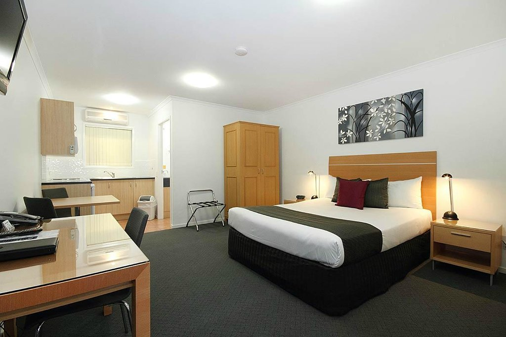 Browns Plains Motor Inn