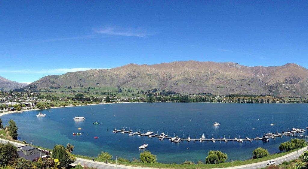 湖景汽車旅館
