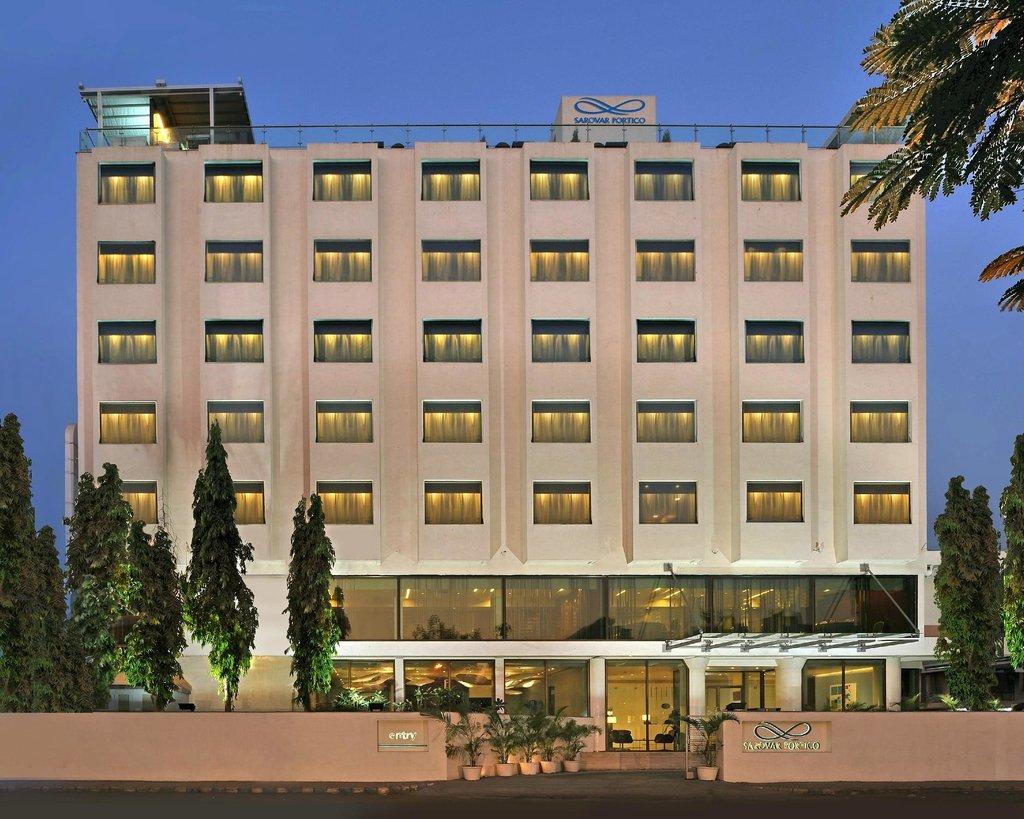 โรงแรมซาโรวา ปอติโก รัจค็อท