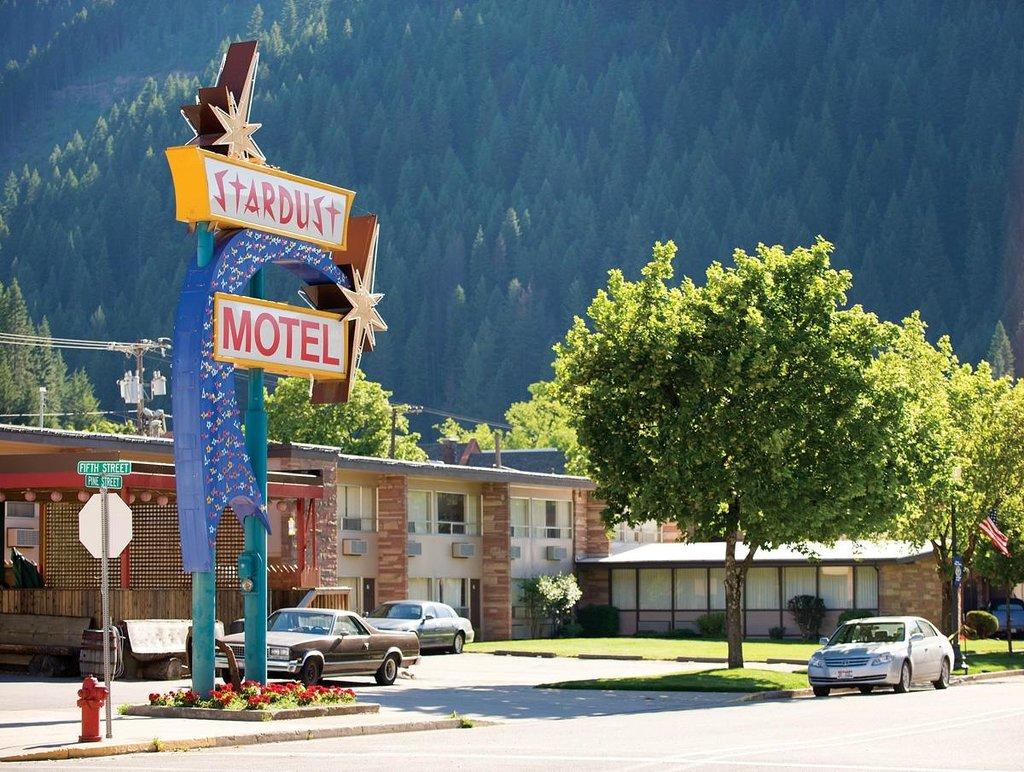 華勒斯星塵汽車旅館