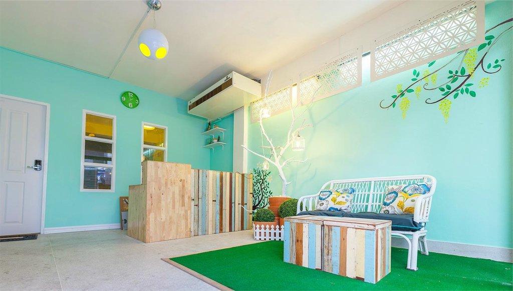 Kamin Bird Hostel