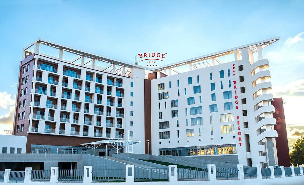 Bridge Resort Hotel