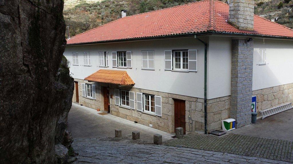 Casa da Ribeira / Casa da Ponte