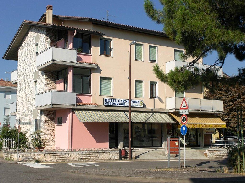 Hotel Garni Dora