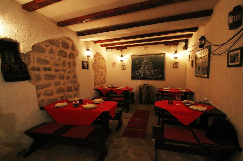Restaurant & Apartments Babilon