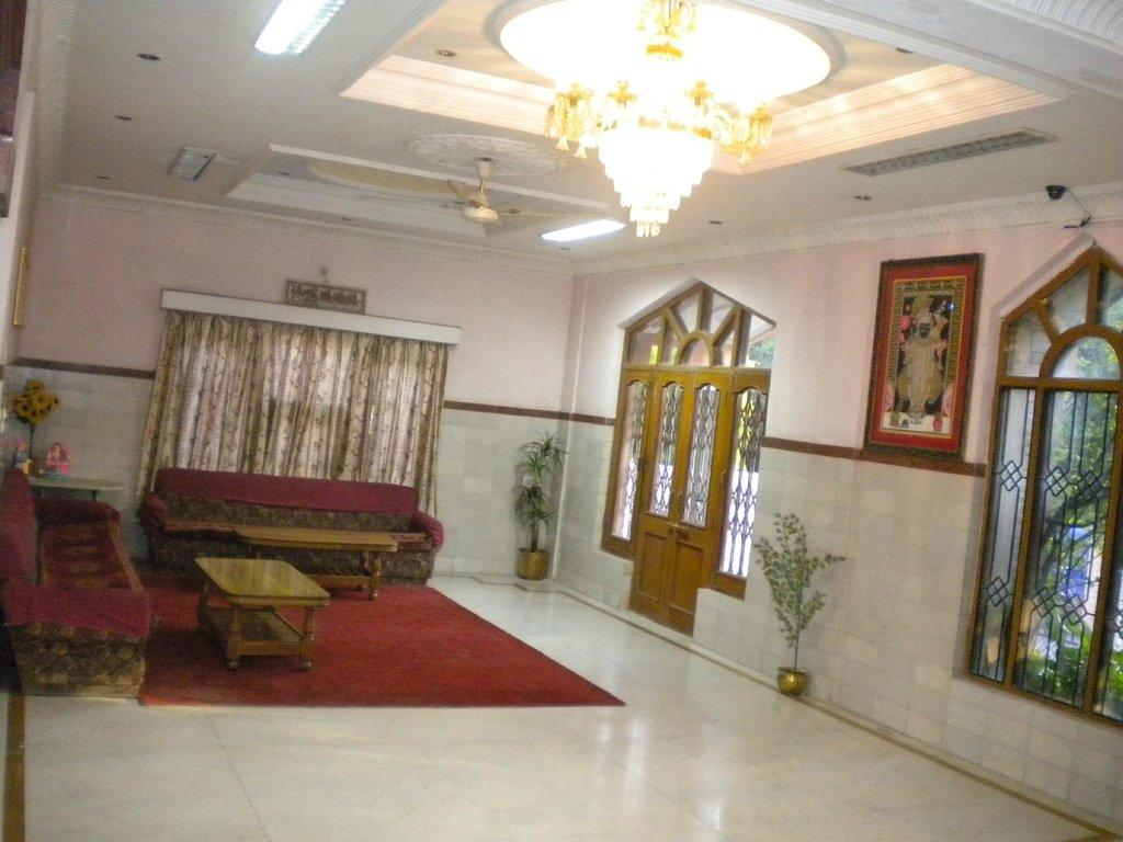 Hariyali Palace Hotel