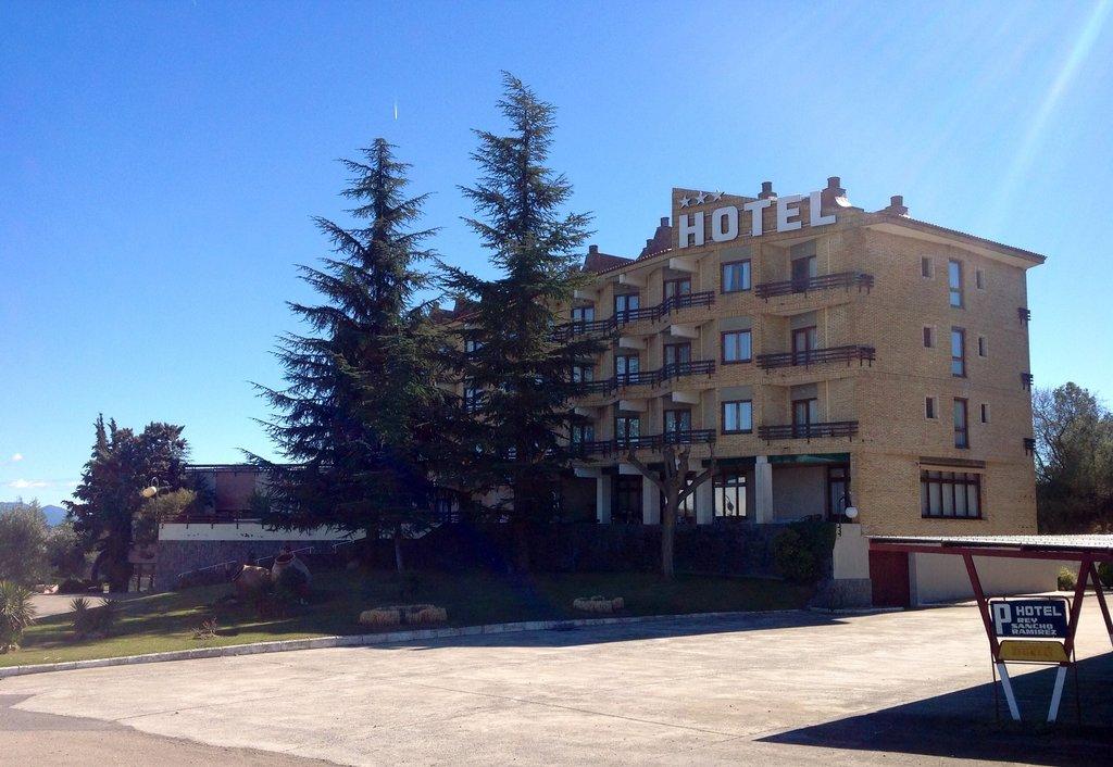 Rey Sancho Ramirez Hotel