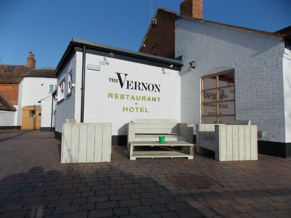 The Vernon Hotel & Restaurant