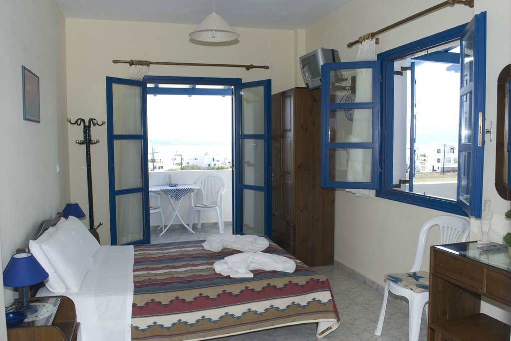Antonis Apartment & Rooms