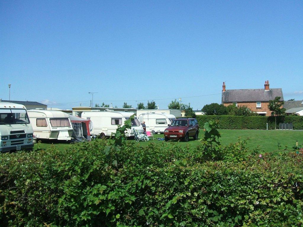 Owen's Caravan Park