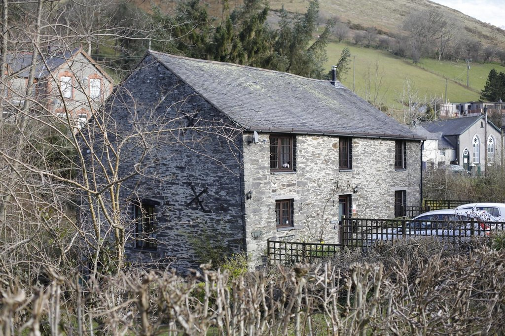 Yr Hen Felin Bed and Breakfast