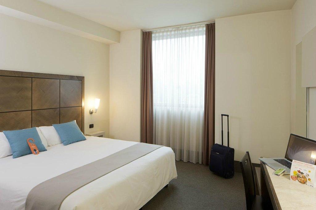 아카데미아 팰리스 호텔