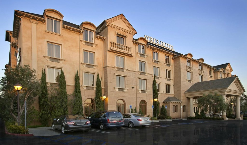 Ayres Hotel Manhattan Beach / Hawthorne
