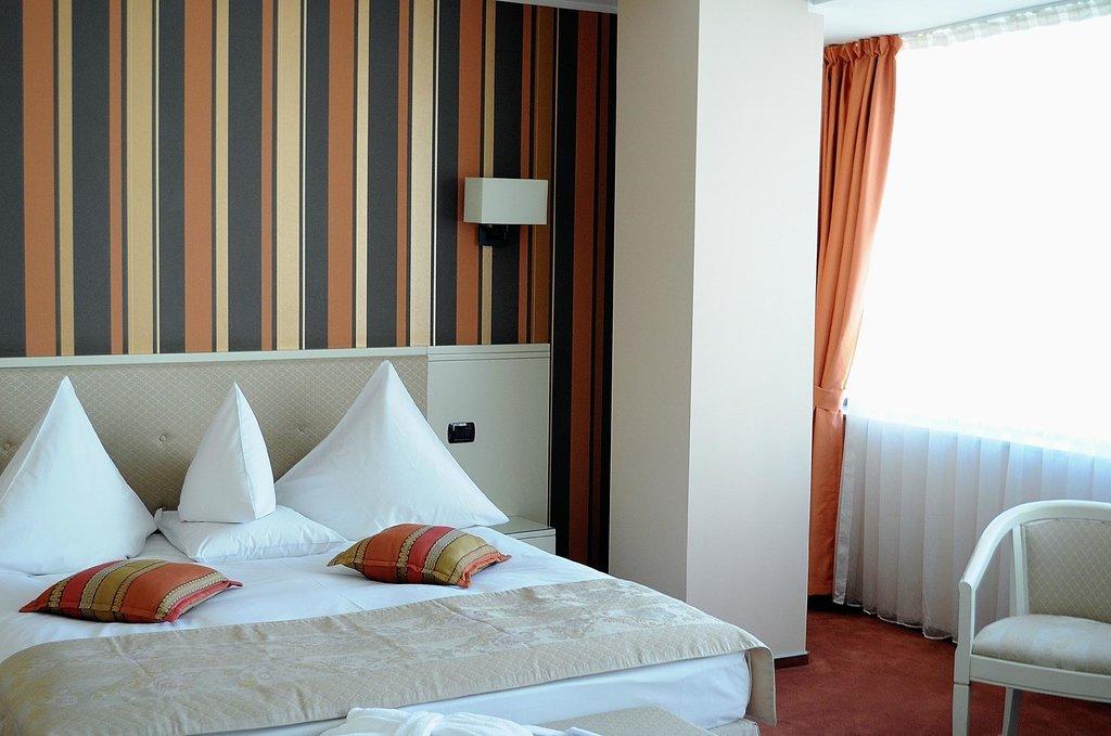 ホテル パラディス