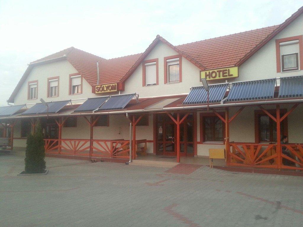 Solyom Hotel