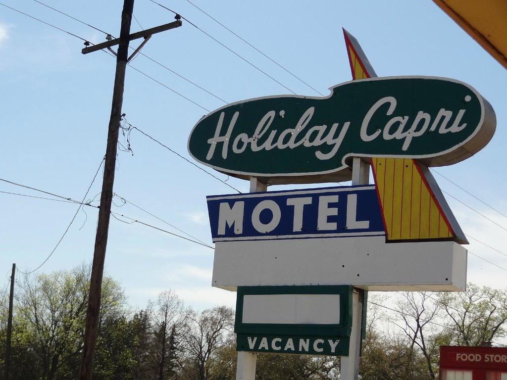 Holiday Capri Motel