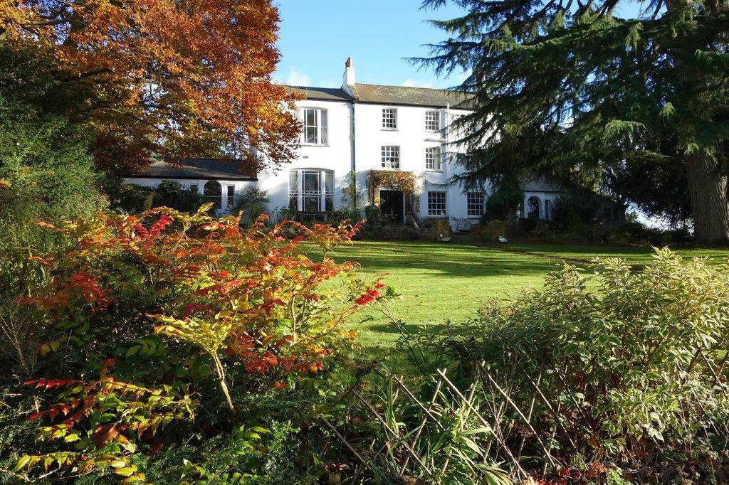 Little Barwick House
