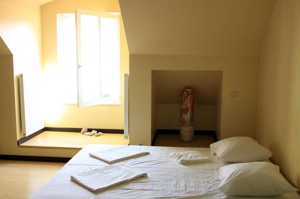 Ala Hotel & Hostel