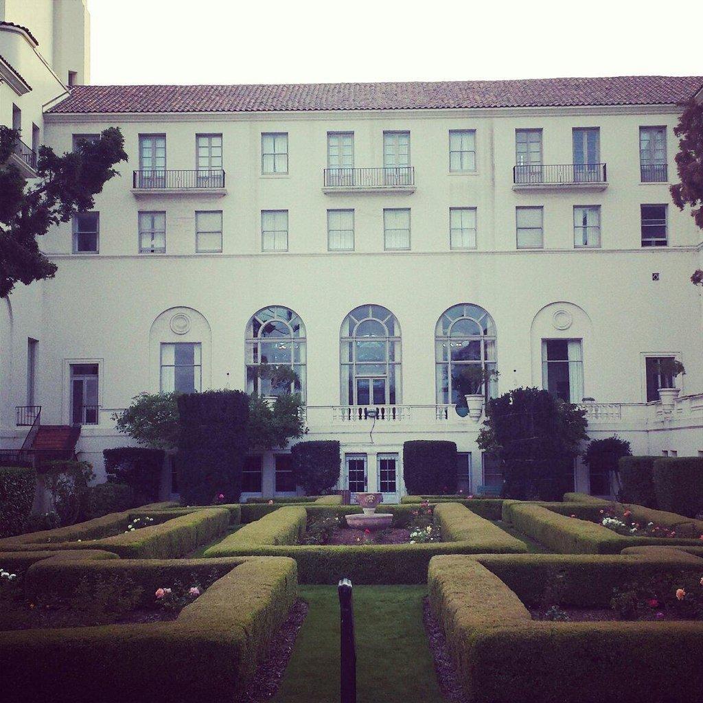 Navy Gateway Inn & Suites Monterey