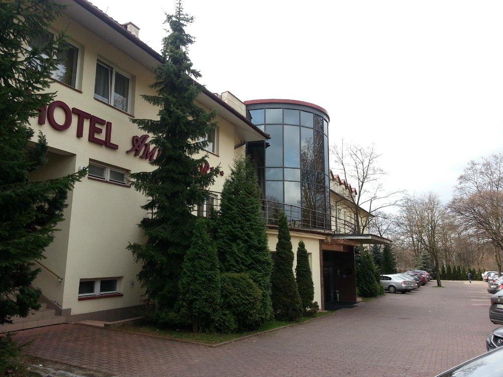 Ambasador Hotel Chojny