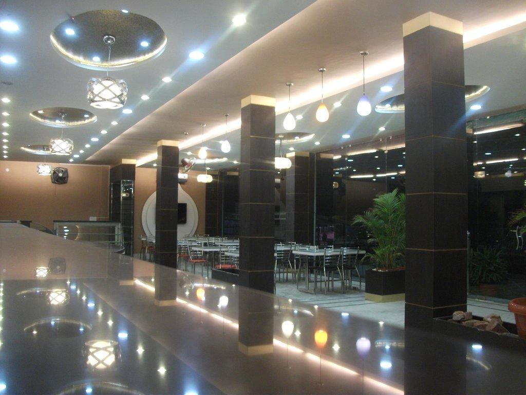 Hotel Uniyal Residency