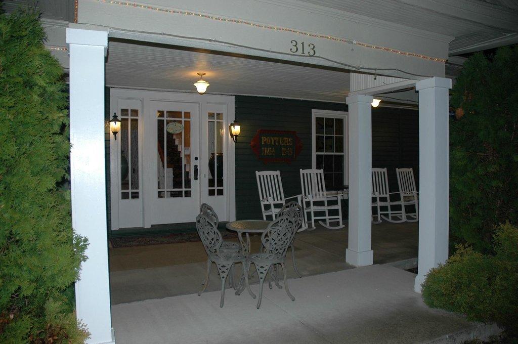 The Potter's Inn