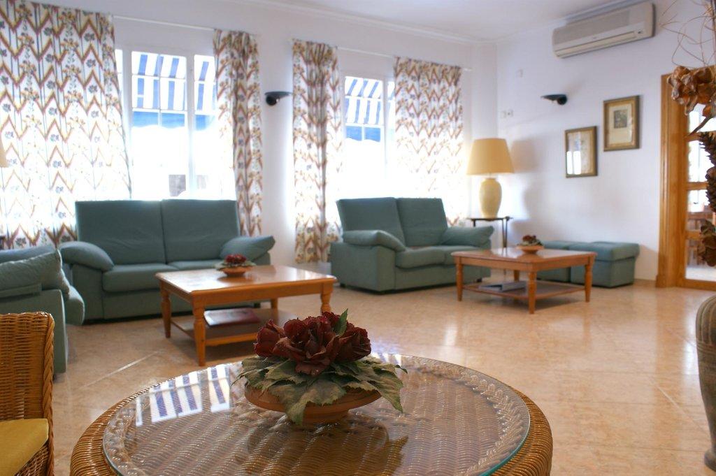 Geminis Hotel