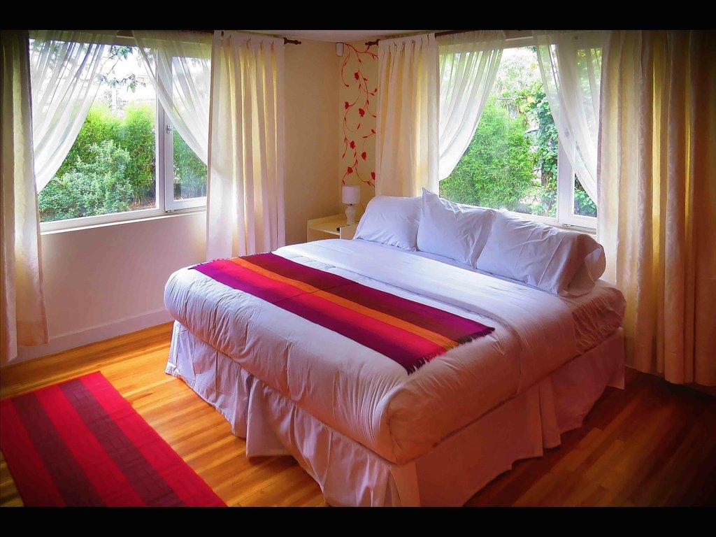 Shalom Hostel Bed & Breakfast