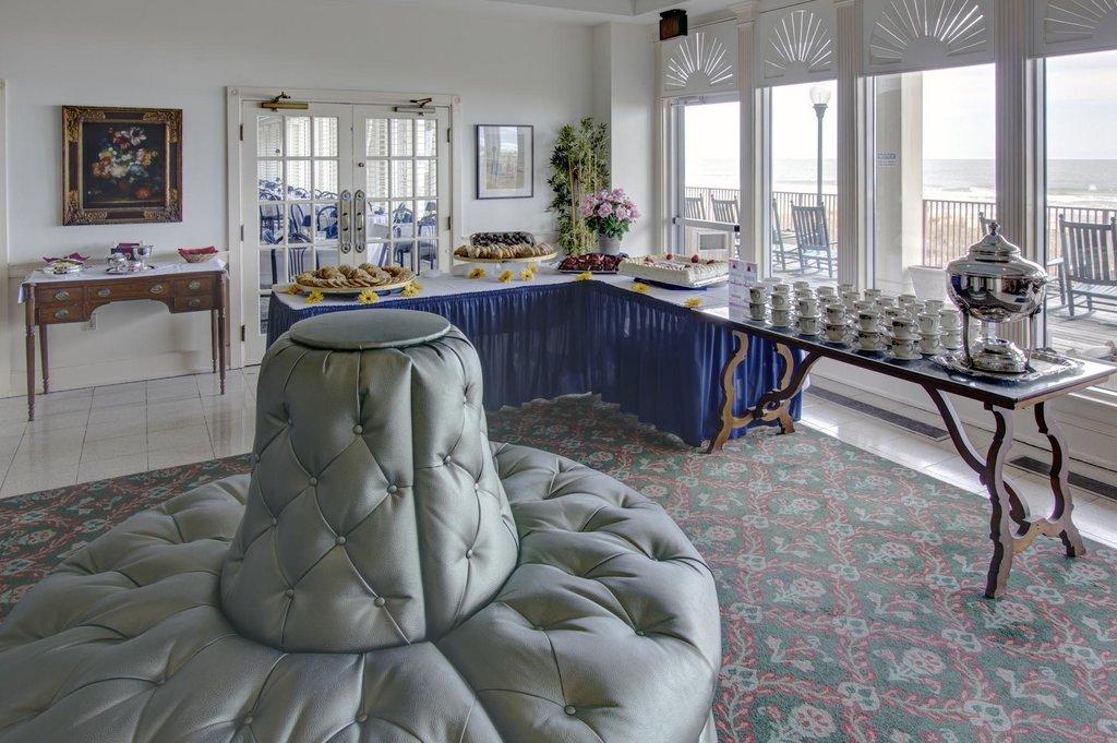 Dunes Manor Hotel