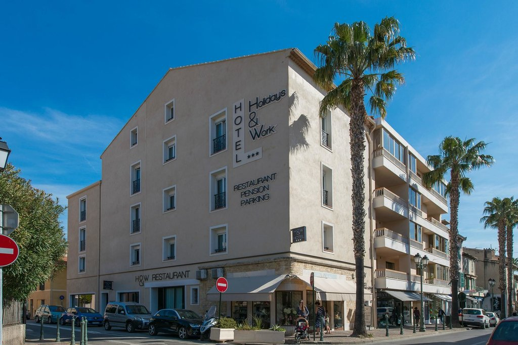 Holidays & Work Hotel