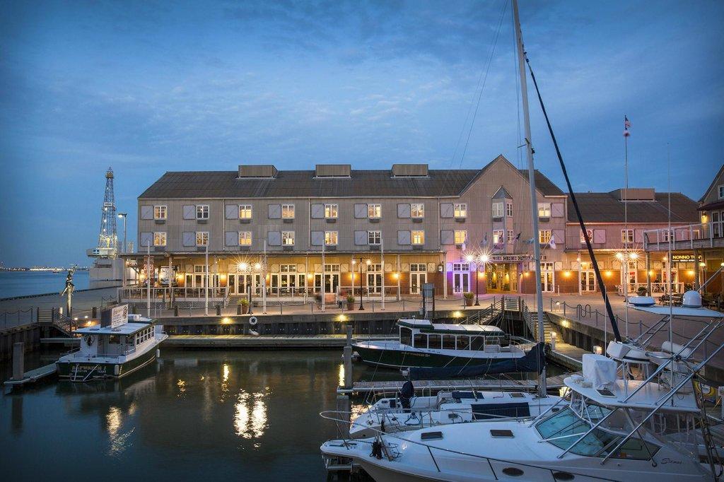 海港码头之家酒店